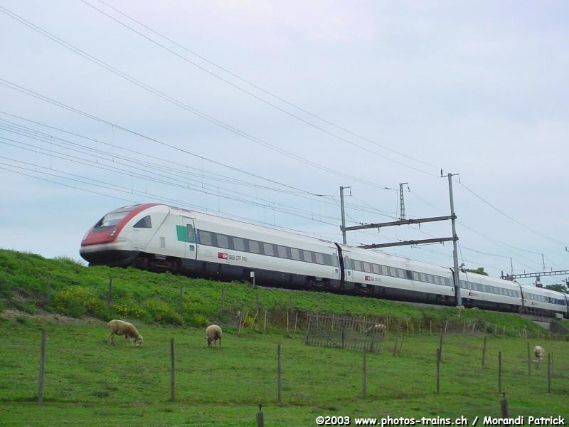 http://www.photos-trains.ch/photos/galleries/Suisse/CFF/automotrices/RABDe_500/CFF_RBDe_500_ICN_Bussigny.jpg